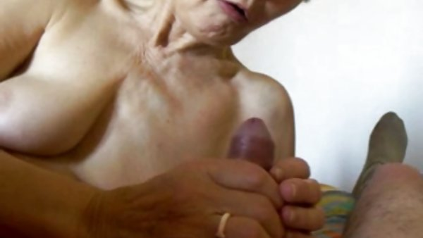 女性喜欢的大阴茎奶奶肚色情